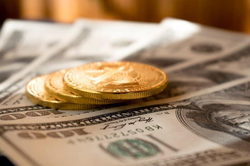 social media earning image of money